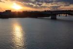 京浜大橋から。初日の入り。