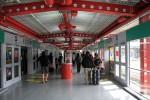 プラットフォームのデザインがおしゃれ。二度目のオヘア空港ですが、記憶にあまりなく、新鮮でした。