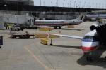 いろいろあったけど、乗るのはこいつ。S80です。小さい飛行機だよな。なんていうか、ボロい。