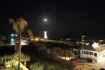 なんかまた月を見ている。時間短縮して生きているようだ。一日に二度月の出を見る不思議さ。