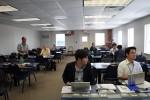 メディアセンター別館内部。日本人がたくさんいらっしゃいますな。