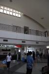 空港は小さいけれど立派。作ったばかりなのかな。設備は必要最低限のものにとどまるけど。