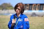 シャノン・ウォーカーさん。ISS長期滞在クルー。Twitterの招待客に説明中。ついこないだ帰ってきたひと。