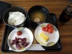 ラウンジで日本らしい食事を。漬け物ばっかりw