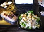 というわけでサラダとSubにしました。なんでサンドイッチがサブなの?