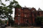 古くさい感じ…いや、歴史ある感じの建物がたくさん。