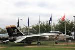 トムキャット。F-14。トップガンのテーマソングがw