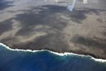 海岸線も溶岩のまんま