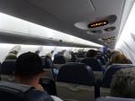 ボンバルディアのえらく狭い飛行機