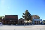 ネバダに入って最初の町ビーティ。こじんまり。ここに住む人はナニを思うのだろう。時が止まったような町。