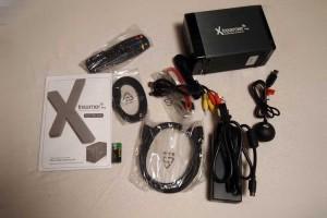 ケーブル類はかなり充実。eSATAケーブルとかブラケットまである。HDMIケーブルもね。