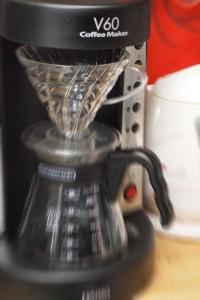 入れる杯数を選ぶボタンは、蒸らしの湯量を決めるためのもの。