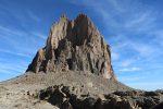 岩脈に登ってから撮影した。